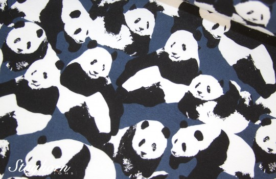 Kuscheliger Alpenfleece Sweat blau *Pandabären* - Oeketex - elastisch